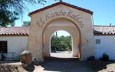 El Rancho Robles front close